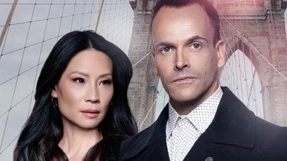 Foto de Sherlock (Jonny Lee Miller) e Watson (Lucy Liu)