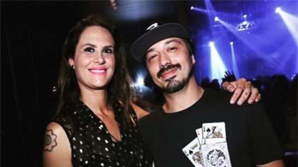 Foto de Aritana Maroni e Paulo Rogério, um dos casais no reality