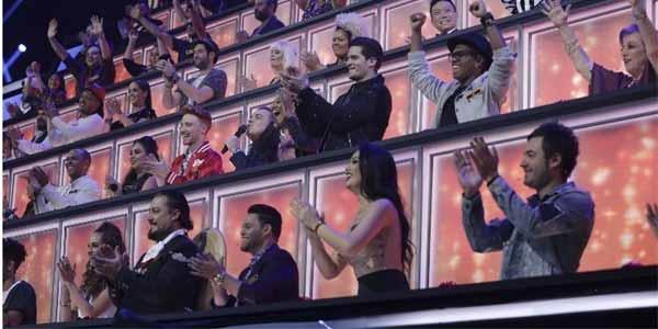 Foto parcial dos jurados do Canta Comigo