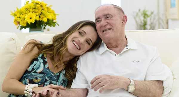 Foto de Ingrid Guimarães com Renato Aragão